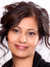 Dr Tasleem Ahmed - Principal Dentist at Longwood House Dental Care