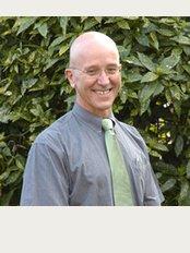 Manor Road Dental Practice - Dr Geraint Llewellyn Jeffreys