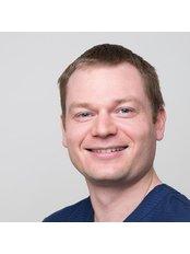 Dr Richard - Dentist at Gwynne Dental
