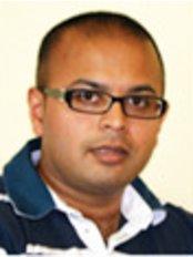 Dr Naresh Hirani - Dentist at Castle Dental Practice