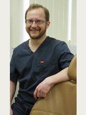 Barker Dental Practice - 9, Barnes Lane, Sarisbury Green, Southampton, Hampshire, SO31 7DA,