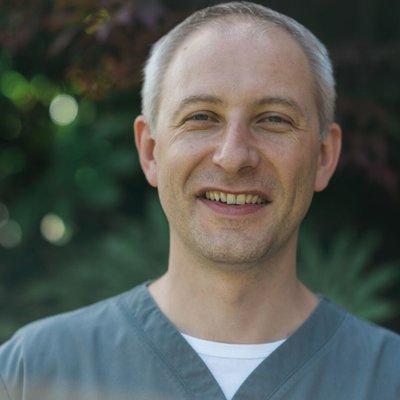 Dr Slawomir Stobiecki