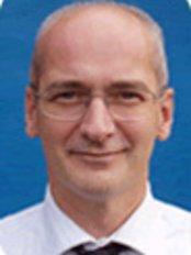 Tadley Dental Care - Dr Mark Holley