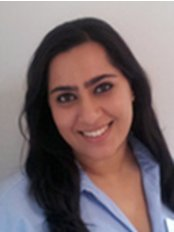 Dr Jinita Popat - Dentist at New Road Dental Practice