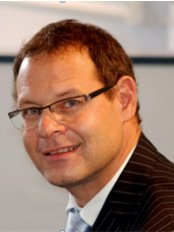 Dr Michael Norton - Oral Surgeon at The Hertfordshire Centre for Dentistry
