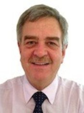 Hennie Bruwer -  at Orthodontic Centre - St Albans