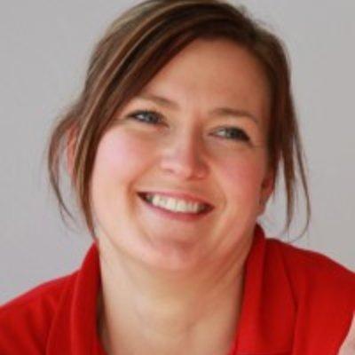 Miss Kerry Strachan