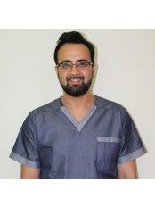 Dr Syed Shah - Principal Dentist at Thorndike Implant and Dental Care
