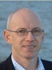 Chris Lewns - Implant   Dental Centre - Mr Chris Lewns