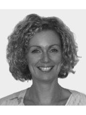 Darina McCartan BDS (Glas) - Dentist at Centre for Implant Dentistry