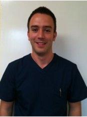 Dr Lee Montgomery - Oral Surgeon at Gorbals Dental Practice