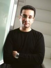 Dr Attiq Rahman - Principal Dentist at Precision Dentistry