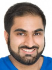 Dr Tariq Bashir - Dentist at Precision Dentistry