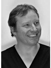 Dr Richard Milner - Dentist at Endo61