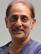 Dr Fakrudin Lukmanji Kaderbhai - Principal Dentist at Thurmaston Dental Practice