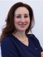 Dr Joanna Johnson - Denturist at 76 Harley Street