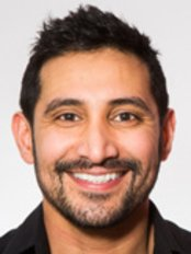 Dr Parmjit Singh - Dentist at Ten Dental Orthodontics - Clapham Orthodontic Clinic