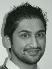Rajiv Ruwala - Principal Dentist at 2 Green Dental