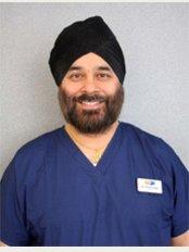 Sheen Dental - Dr Harmit Kalsi Implantologist