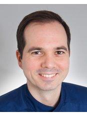 Dr Gábor Szaszovszky - Dentist at VitalEurope dentistry - Budapest & London