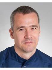 Dr András Petróczy - Doctor at VitalEurope dentistry - Budapest & London