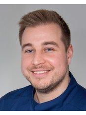 Dr Csaba Palotás - Dentist at VitalEurope dentistry - Budapest & London