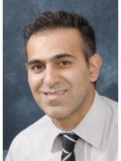 Dr Tif Qureshi - Principal Dentist at Dental Elegance