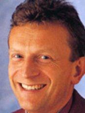 Cosmetic Dental Care - Dr James Farquharson