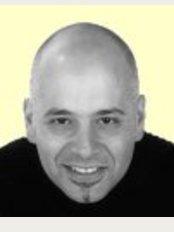 Hazelwood Dental Practice - Dr Lakis Georghiou