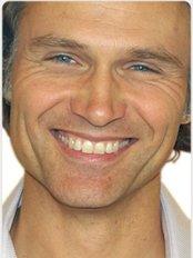 Dr Ingo Voges - Oral Surgeon at Surbiton Smile Centre