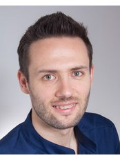 Dr Tamás Ruszin - Dentist at VitalEurope dentistry - Budapest & London