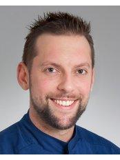 Dr Árpád  Nagy - Dentist at VitalEurope dentistry - Budapest & London