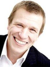 Buckle Advanced Dental Care - Ian Buckle