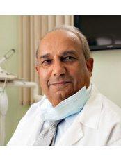 Dr Allahbux Javed - Orthodontist at Confident Smile Dental Practice - Shepperton