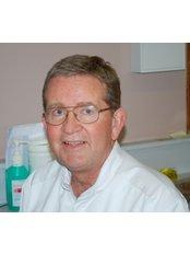 Dr Louis Minnaar - Dentist at Brooklyn House Dental Surgery