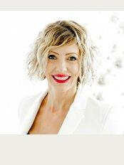 Andrea Ubhi Cosmetic Dentistry - 22 Goodramgate, York, YO1 7LG,