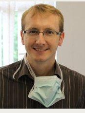 Dent Blanche Dental Implant Centre - Dr David Bell