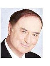 Dr Oscar Hilt Tatum Jr - Consultant at Oxford Dental Centre