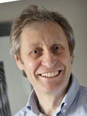 Dr Stuart Main - Dentist at New Park House Dental Centre