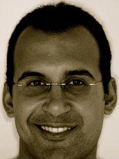 Dr Abdurahman El-Awa - Oral Surgeon at Yorkshire Sedation Clinic