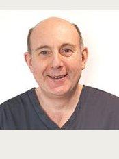 Langmans Dental Health Centres - Wellesbourne 2 - 2 Willow Drive, Wellesbourne, Warwickshire, CV35 9SB,