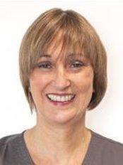 Dr Anne Louise Langman - Principal Dentist at Langmans Dental Health Centres - Wellesbourne 2