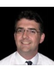 Richard Simons Implants - Oral Surgeon at High Street Dental Practice