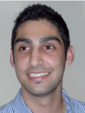Dr Pravesh Kenth - Associate Dentist at Dentist at Redhouse
