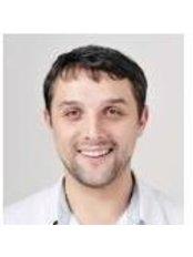 Dr Maxim Voronin - Dentist at Porcelain Group UA - Vozdvyzhens'ka