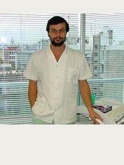 Consultorio Odontologico de Maxima Calidad y Excelencia - Edificio Torre de los Profesionales -Yaguarón 1407 Apto. 722 y 723, Montevideo,