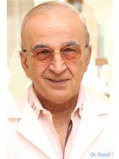 Mehdi Nayssan - Dentist at Bedford Dental Group: Daniel Naysan DDS