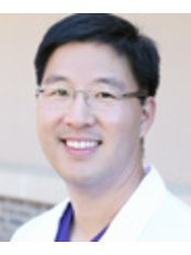 Dr Robert Lee - Doctor at First Choice Dental Group - Downtown Madison