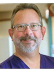 Dr David Niles - Doctor at First Choice Dental Group - Verona
