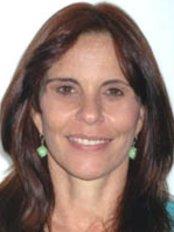 Dr. Gisela Contasti - Calle